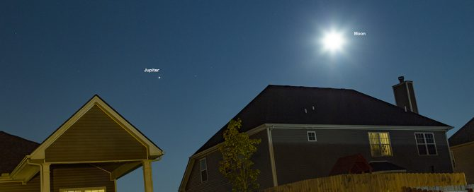 The Moon, Saturn and Jupiter Triangle Conjunction on 08-20-2021